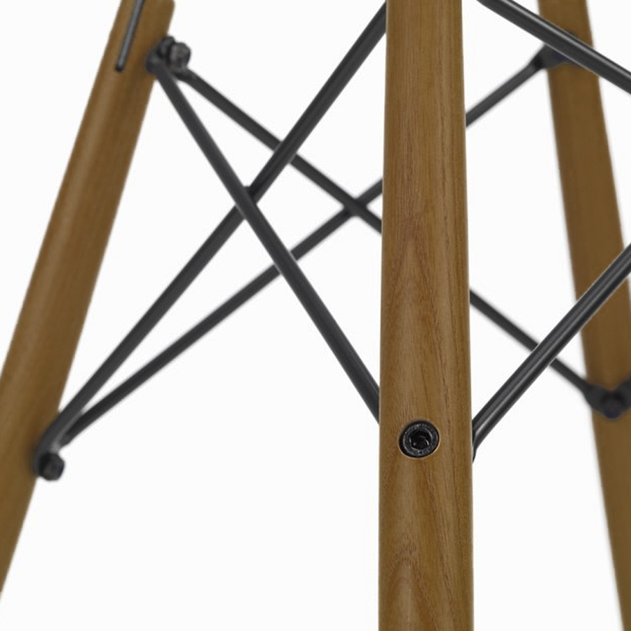 Zinzan-DSW-side-chair-Walnut-wooden-leg